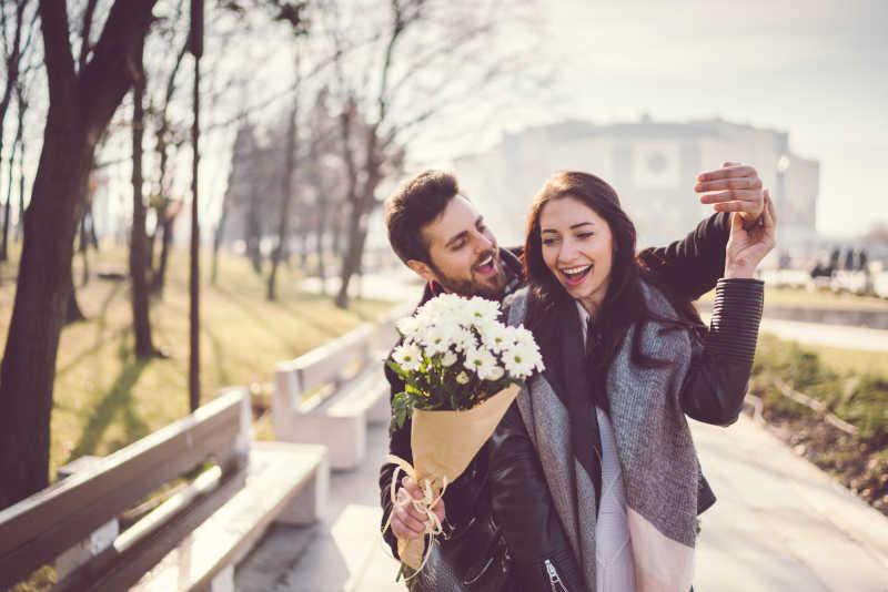 Gesti Romantici Per Conquistare Una Ragazza