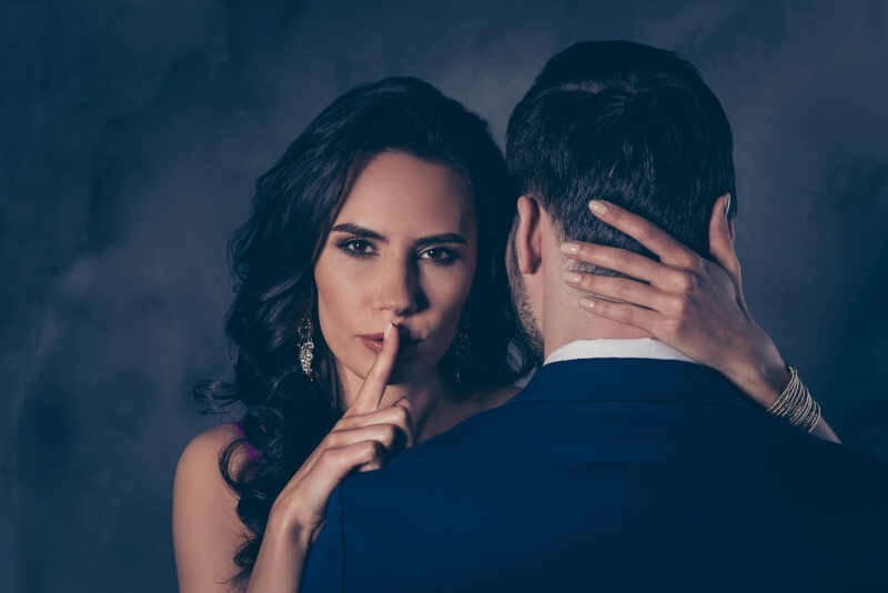 come capire se tua moglie ti ha tradito in passato